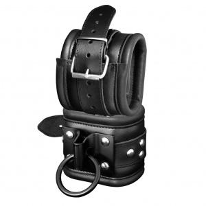 Leder Fußfessel mit schwarzer Platte / geschweißtem Ring - 0112-3